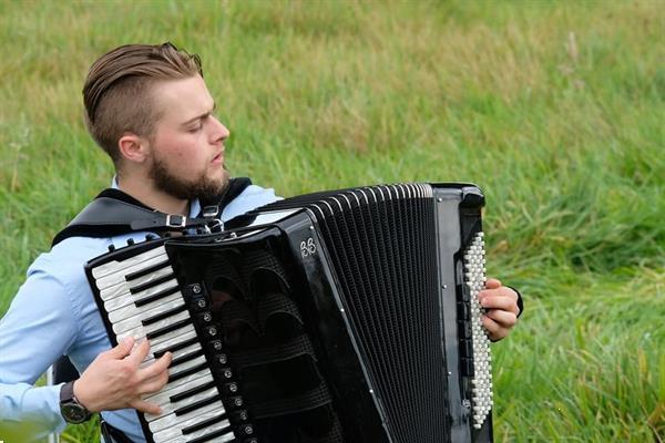 Grote foto online accordeonles muziek en instrumenten accordeons