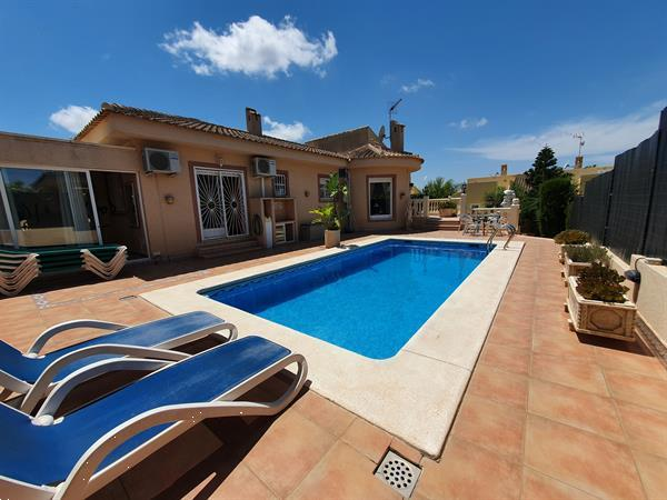 Grote foto villa te huur v.a. 199 per week vakantie spanje