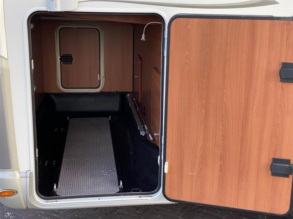Grote foto laika x650r zonnepaneel xl garage lengtebedden caravans en kamperen campers