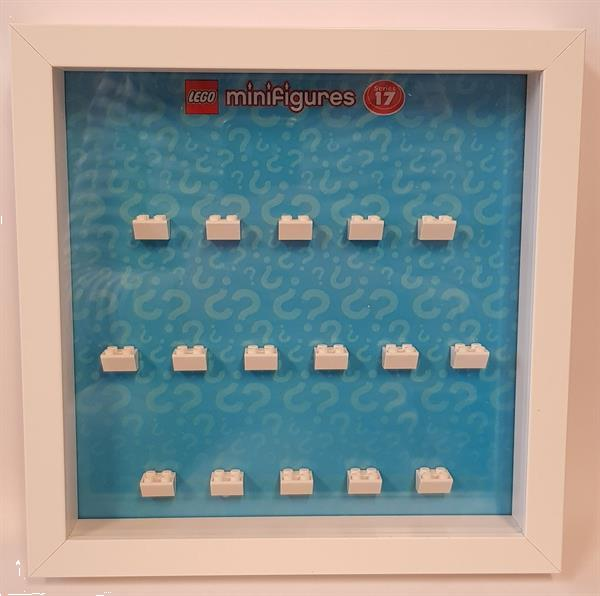 Grote foto lego display cmf serie 17 kinderen en baby duplo en lego
