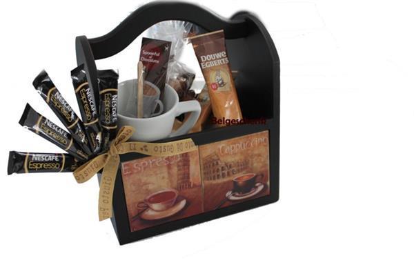Grote foto koffie cadeau in koffie bakje diversen cadeautjes en bonnen