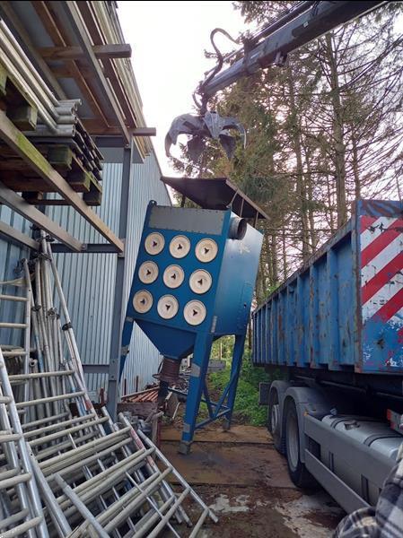 Grote foto opkoop van oud ijzer en autowrakken diensten en vakmensen metaalbewerking