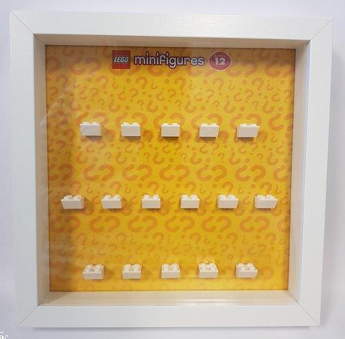 Grote foto lego display cmf serie 12 kinderen en baby duplo en lego