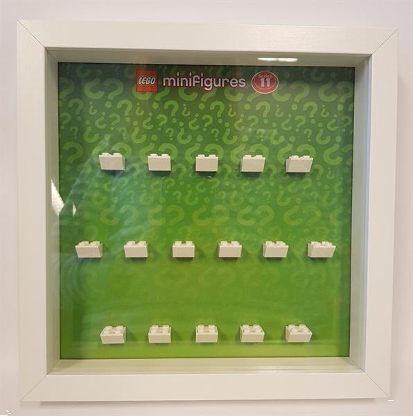 Grote foto lego display cmf serie 11 kinderen en baby duplo en lego