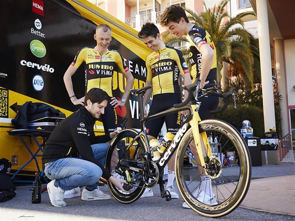Grote foto dynamic two prong brush per stuk sport en fitness fietsen en wielrennen