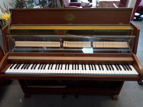 Grote foto piano schimmel walnoot bruin muziek en instrumenten piano en vleugels