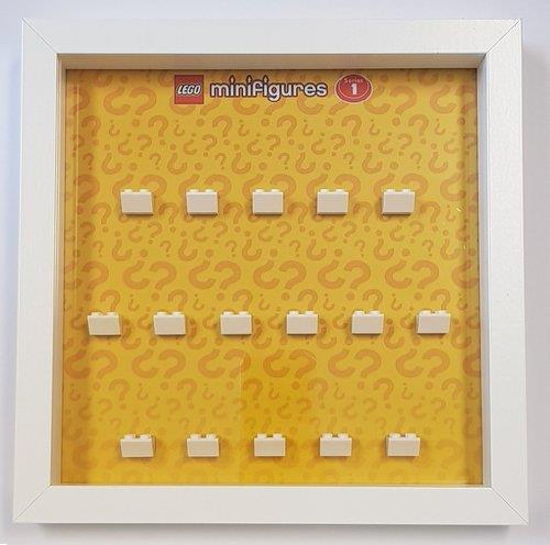 Grote foto lego display cmf serie 1 kinderen en baby duplo en lego