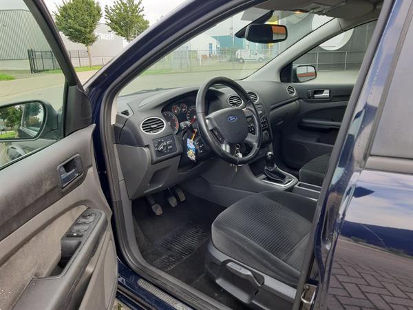 Grote foto ford focus 1.6 16v ghia clima sportwielen 2005 auto ford