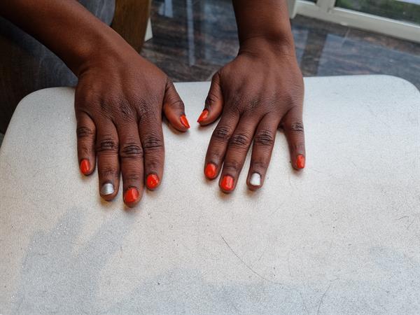 Grote foto gel manicure diensten en vakmensen manicure