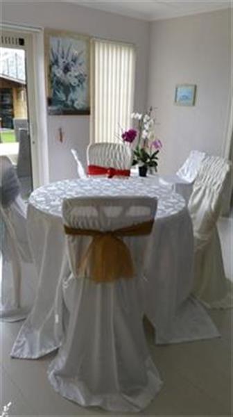 Grote foto te koop nieuw tafelkleed en stoelhoezen diensten en vakmensen feesten