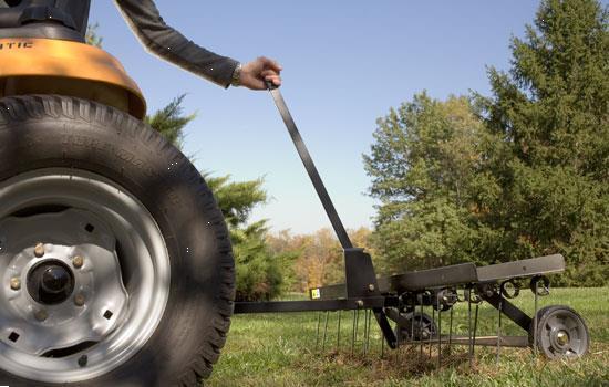 Grote foto ontmosser verluchter voor zitmaaier of quad tuin en terras werktuigen
