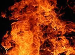 Grote foto thom smolders zwart vuur boeken gedichten en po zie