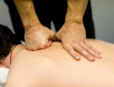 Grote foto sport en ontspanningsmassage rebalancing diensten en vakmensen masseurs en massagesalons