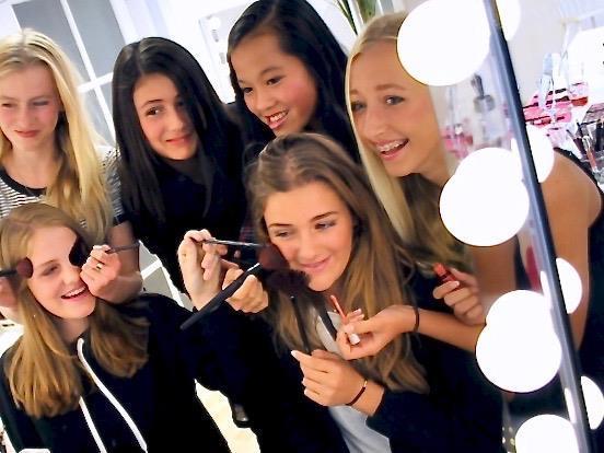 Grote foto tiener workshops. make up workshop voor tieners diensten en vakmensen workshops